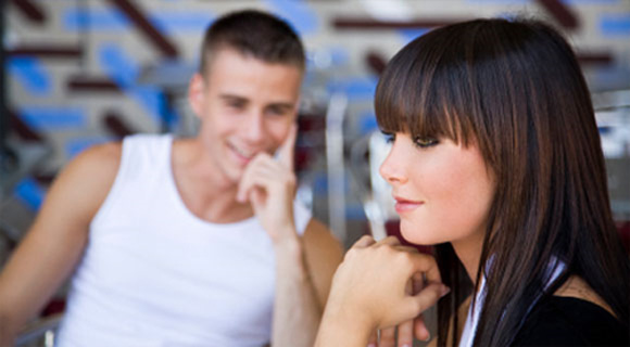 Признаки что парень испытывает сексуальное влечение к девушке